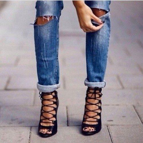 quần jean boyfriend kết hợp giầy cage