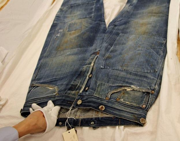 quần jean levis cổ