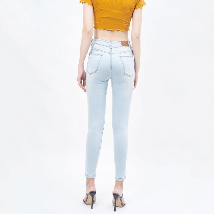 Quần jean nữ lưng cao light blue - UCSD RAYONQuần jean nữ lưng cao light blue - UCSD RAYON