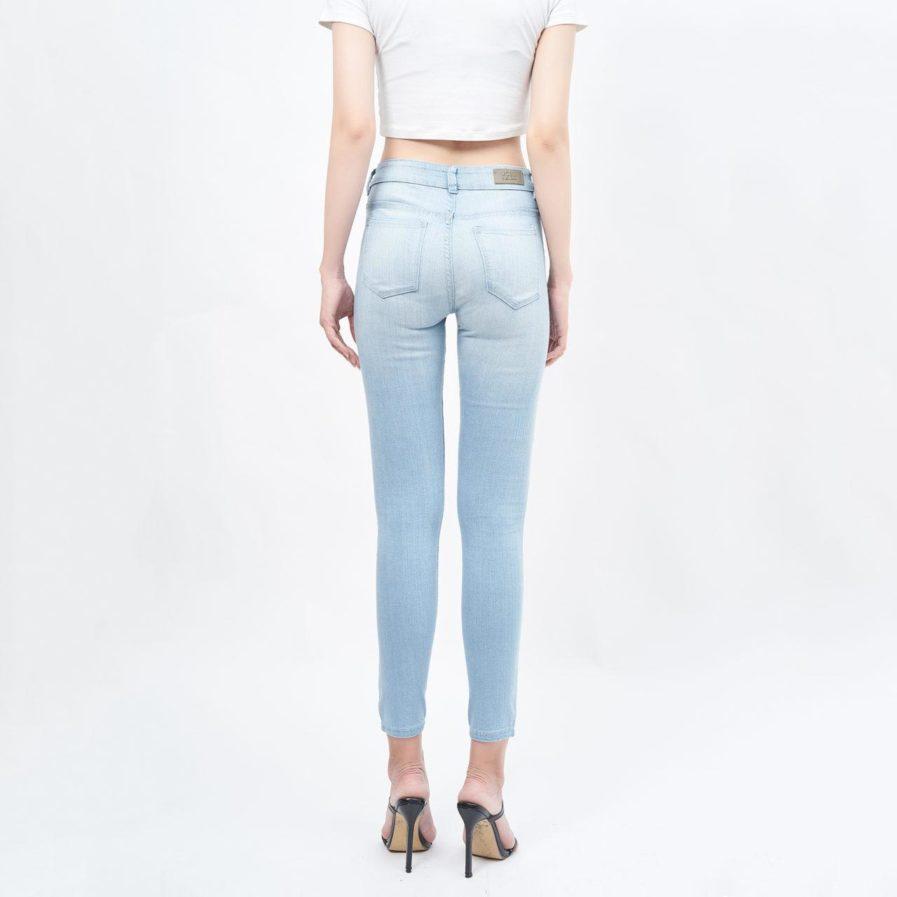 Quần jean nữ lưng cao vừa light blue - UCSD RAYON