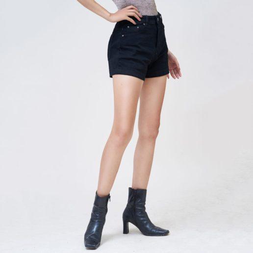 Hình Ảnh Quần Short nữ AAA JEANS lưng cao màu đen UR_SOMCTRNZC_BLI-2