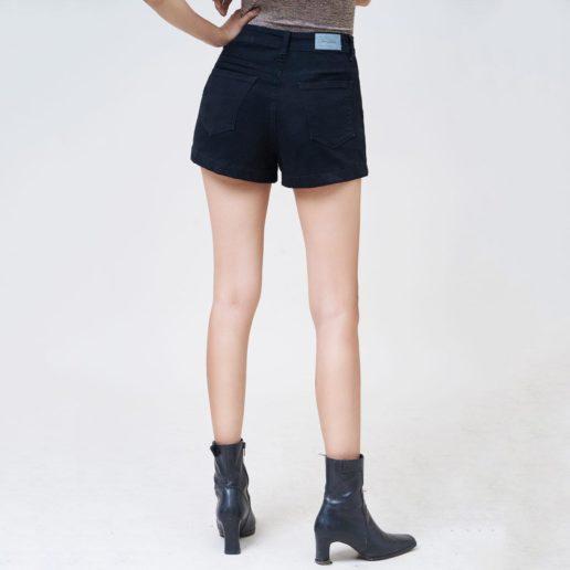 Hình Ảnh Quần Short nữ AAA JEANS lưng cao màu đen UR_SOMCTRNZC_BLI-3