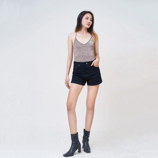 Hình Ảnh Quần Short nữ AAA JEANS lưng cao màu đen UR_SOMCTRNZC_BLI-5