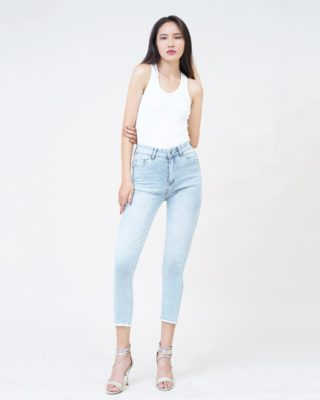 Hình Ảnh Quần jean nữ lửng Aaa Jeans skinny lưng cao SKCCTRTZC_XX-4