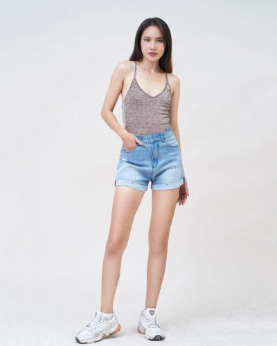 Hình Ảnh Quần short nữ lưng cao rách nhẹ lật line Savoy Blue UR_SOMCNRLZC_SVE-5
