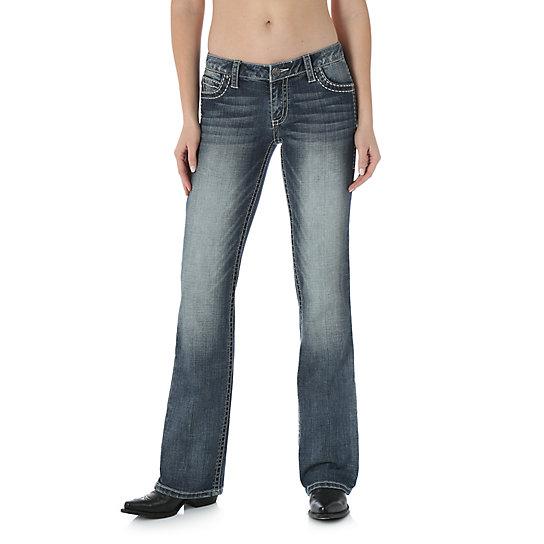 Hình ảnh quần jean nữ ống vẩy (boot-cut) của Wrangler có giá 69 usd.