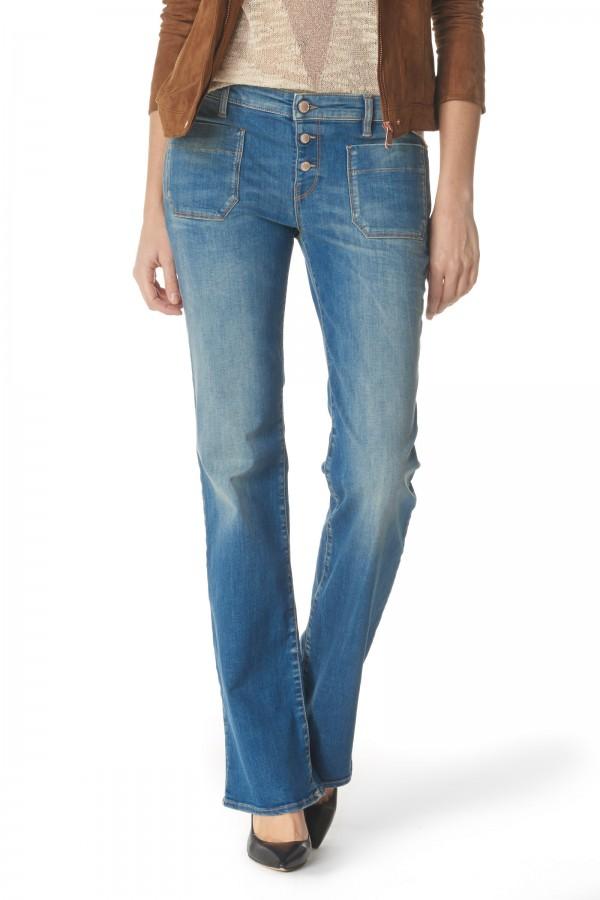 Hình ảnh quần jean nữ ống vẩy của Gas có giá 83 euro (khoảng 2 triệu đồng)